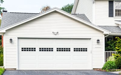 3 Reasons to Hire a Pro for Your Garage Door Installation